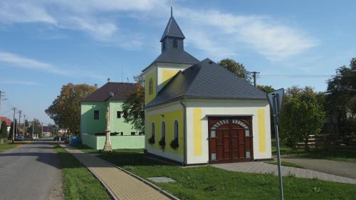 2015 Oprava zbrojnice a kaple Rakůvka (1)