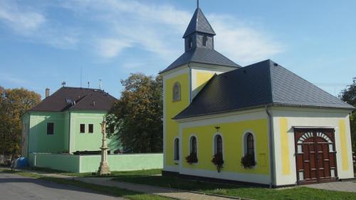 2015 Oprava zbrojnice a kaple Rakůvka (2)